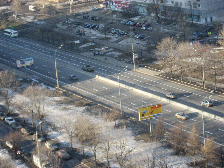 """Сегодня ночью произведено нанесение дорожной разметки Алтуфьевского шоссе по новой схеме.  Метка  """"Алтуфьевское шоссе """"."""